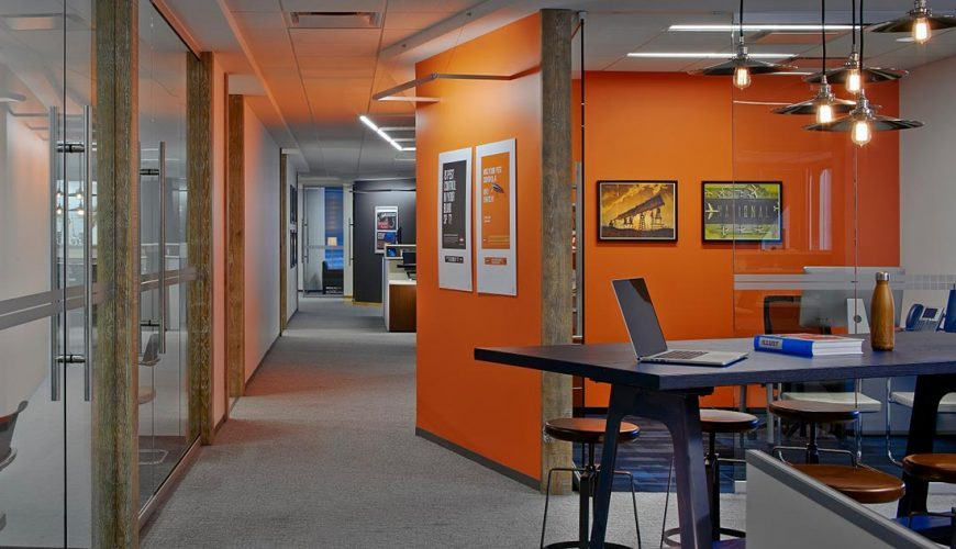 How to choose the best office interior designer